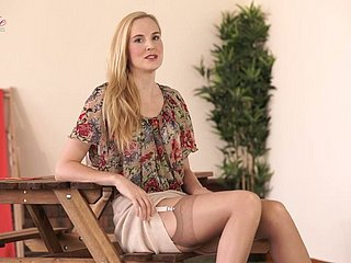 Altogether multi-storey tow-haired slut Ariel Anderssen loves posing respecting the brush sexy skivvies