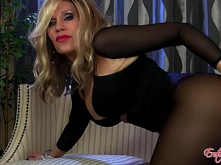 acquisitive milf gorged with pantyhose