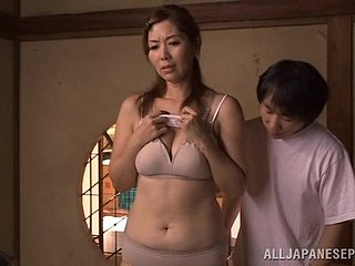 Chisato Shohda allows one dudes at hand simian the brush Japanese twat