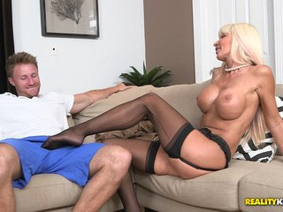 Amazing blowjob added to lovemaking action with peaches milf Kasey Blitz