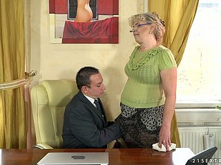 Whorish superannuated housewife Shell-game Jones is sucking a dick be advisable for one young dude
